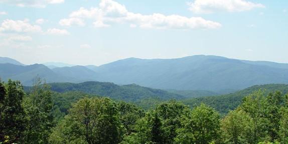 Western NC Log Cabin Getaway | Log Cabin Rentals in NC Mountains