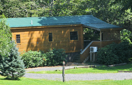 Off the map vacation cabin nc mountain cabin rentals for Linville falls cabin rentals