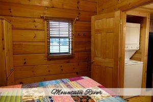 Mtn River Log Cabin - Bedroom #1