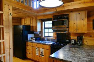 Mtn River Log Cabin - Kitchen